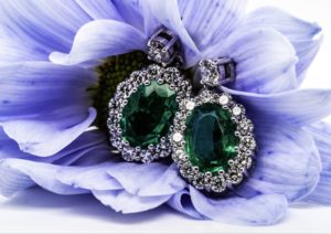 Emerald and diamond earings