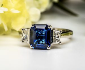 Sapphire and Diamond Ring 319